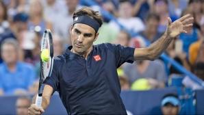 Федерер се завърна с категорична победа