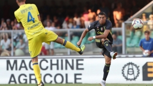 Ювентус измъкна победата срещу Киево след уникална драма, Сорентино спря Роналдо (видео+галерия)