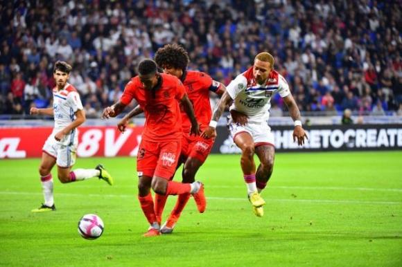 Ница изтръгна трите точки от Лион