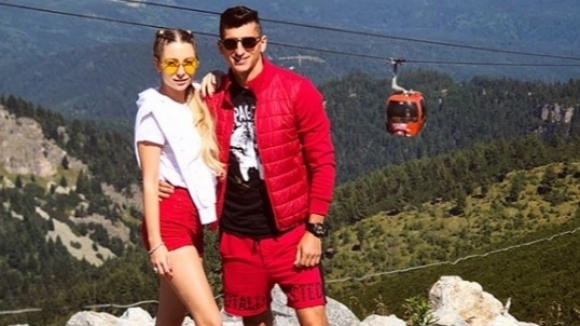 Футболист на ЦСКА-София яхна кон в планината