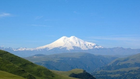Българин от Тараклия изкачи най-високия връх в Европа
