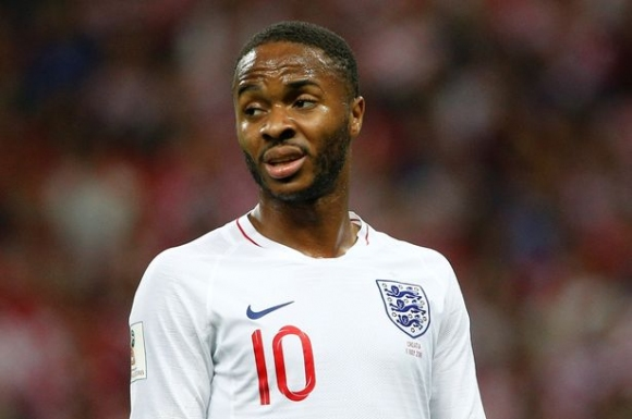 Стърлинг отпадна от състава на Англия заради проблем с гърба