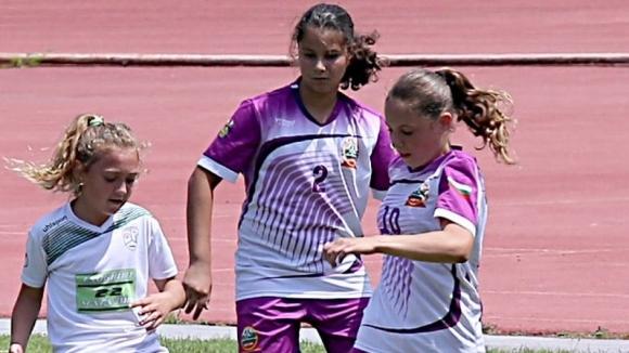 Осем отбора ще участват във футболния турнир за девойки за Купата на M&BM във Велико Търново