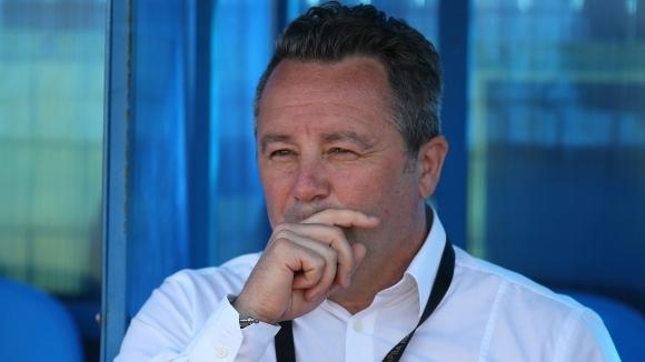 Стоянович е отхвърлил две оферти, за да поеме Левски