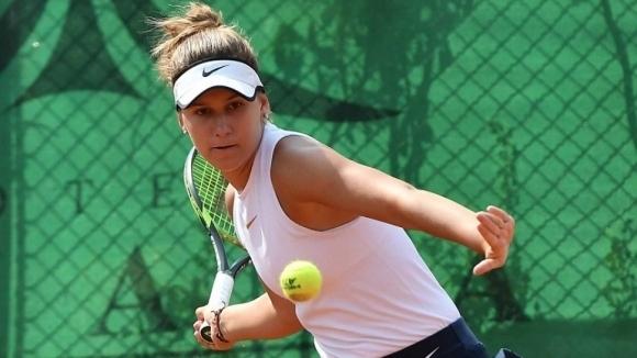 Топалова преодоля първия кръг в София, Аршинкова отпадна