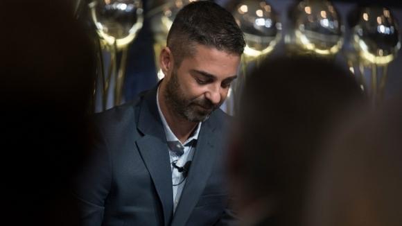 Наваро се сбогува с Барселона през сълзи