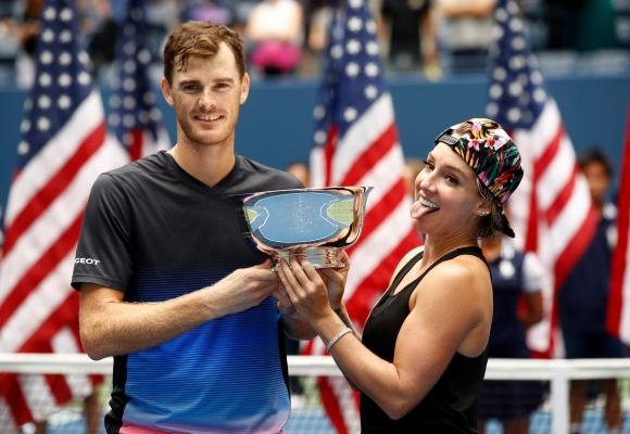 Мъри и Матек-Сандс спечелиха титлата на смесени двойки