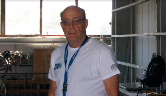 Бивш офицер от армията на Израел претегля 400-те лодки на гребния канал в Пловдив