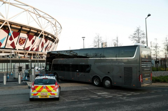 Вижте как изглежда отвътре автобусът на Манчестър Юнайтед за 400 000 паунда