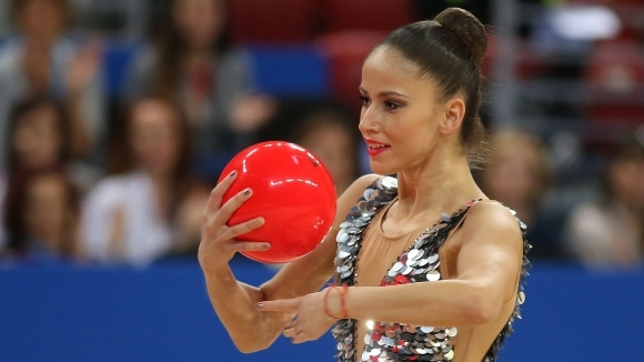 Българките с емоционални изпълнения, които не стигнаха за медал във финала на топка (видео)
