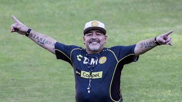 Нов хит от Марадона! Ще снимат сериал за живота му