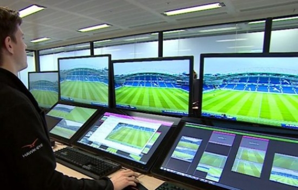 За първи път ще тестват ВАР в пет мача по едно и също време в Премиър лийг