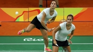 Сестри Стоеви отпаднаха на полуфиналите в Китай