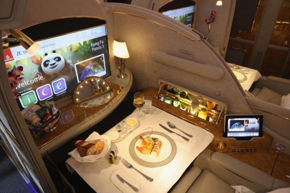 Кралски лукс и удобства в самолета на Реал Мадрид (галерия)