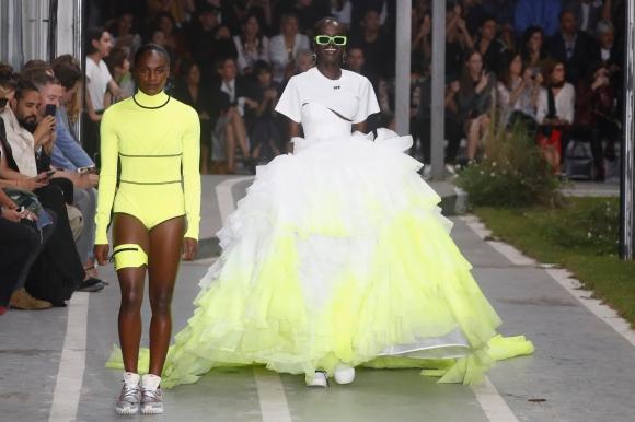 Звезди в атлетиката дефилираха на Седмицата на модата в Париж