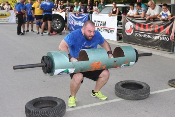 Камък едва не претрепа най-силния българин