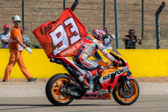 Honda трябва да направят MotoGP мотора по-лесен за каране, ако Маркес напусне