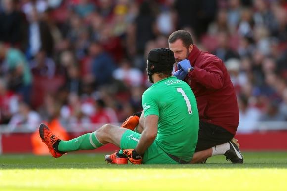 Арсенал загуби Петър Чех за месец