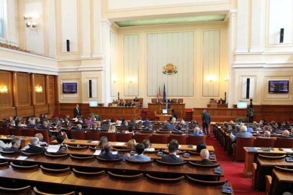 Депутатите гласуваха на второ четене новия закон за спорта