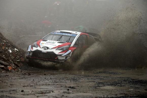 Танак и Toyota доминират на рали Великобритания