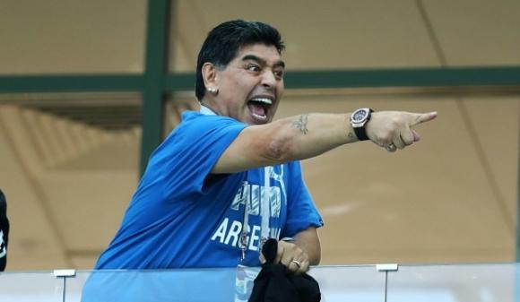 Марадона: Критикуват ме хора, с които сме друсали заедно