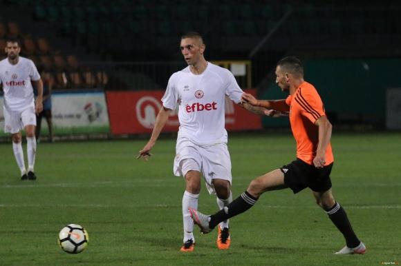 Мариян Огнянов пропуска мача с Царско село