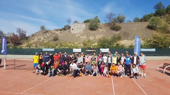 Грандиозно закриване на тенис сезона на Уикенд тур в Сандански