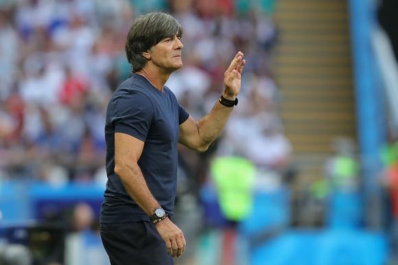 Льов не се интересува от всички мнения и е съсредоточен върху мача с Холандия