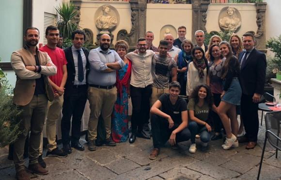 Млади спортни посланици представиха България на международна конференция в Италия