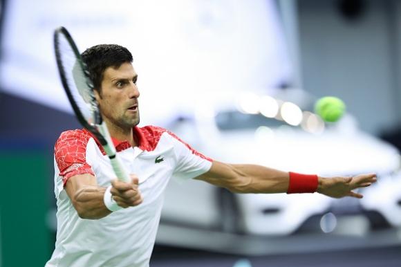 Джокович размаза Зверев, изпревари Федерер и диша във врата на Надал (видео)