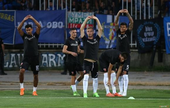 Езе и Райков се завърнаха в групата на Локомотив (Пловдив) за мача срещу Дунав