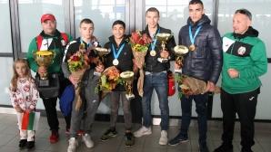 Шампионско посрещане за европейските медалисти в бокса (видео+галерия)