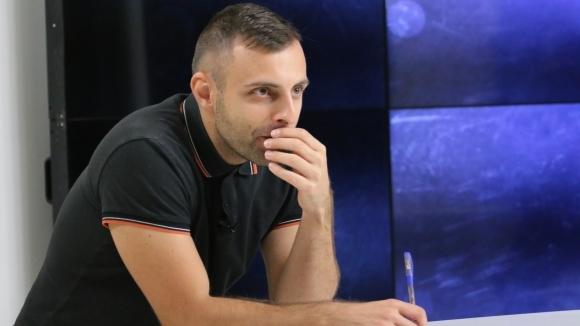 """Редактор от Sportal.bg се показа като цар на тема """"БГ футбол"""""""