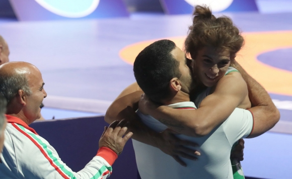 Голям ден за българската борба! И Тайбе Юсеин е на финал на Световното!