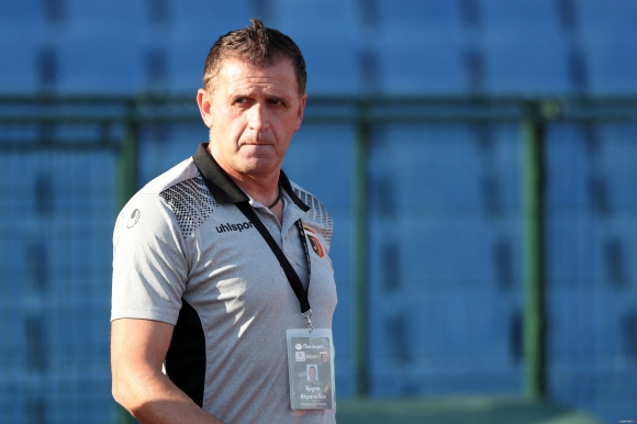 Локомотив (Пловдив) предлага нов договор на Акрапович