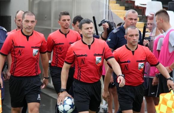 Станислав Ставров ще ръководи най-интересната среща във Втора лига