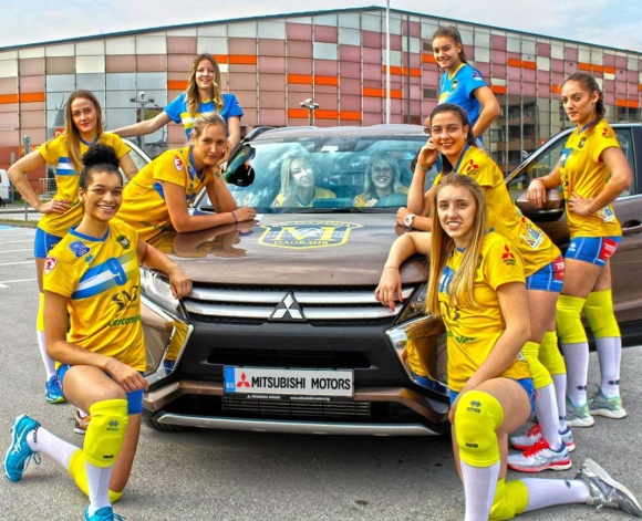 Марица се похвали с нов автомобил