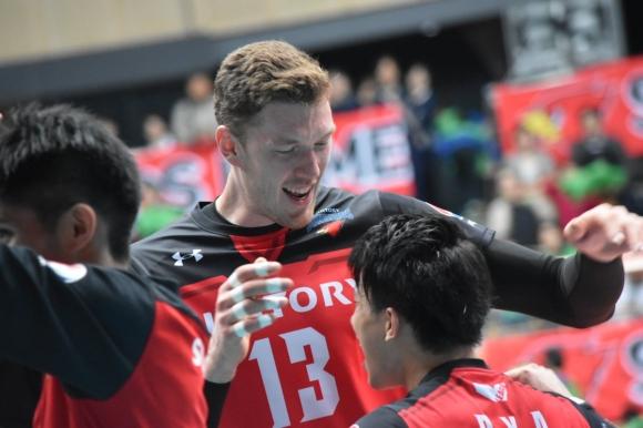Мусерский дебютира с 30 точки и победа в Япония (видео + снимки)