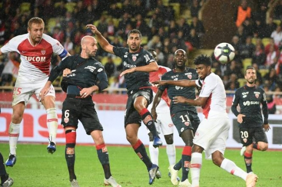 Монако оцеля срещу Дижон, Лил продължава с победите