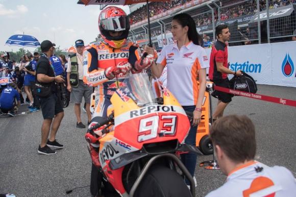 Вижте как изглеждаше мотора на Маркес след удара със Зарко