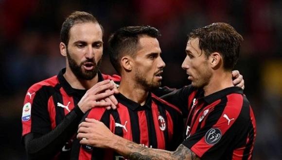 Класирането и атаката радват Милан, но проблемите си остават