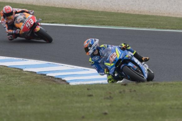 Алекс Ринс със Suzuki оглави втората свободна тренировка в MotoGP