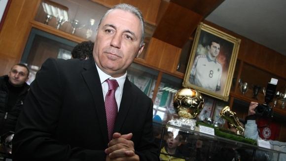 Христо Стоичков произнесе с леден тон тежка присъда на Любослав Пенев
