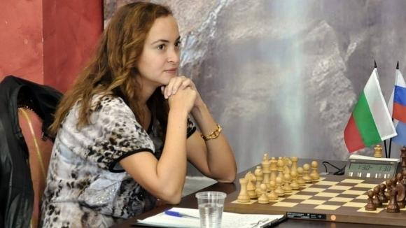 Антоанета Стефанова направи реми в първата партия от втория кръг на СП по шахмат