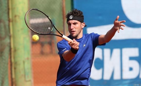 Младенов е на 1/2-финал на двойки в Естония