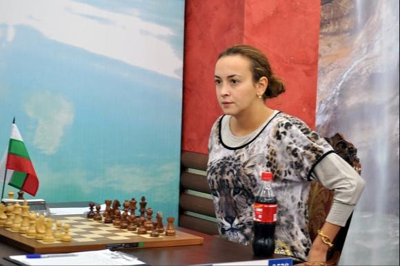 Антоанета Стефанова се класира за осминафиналите на СП по шахмат