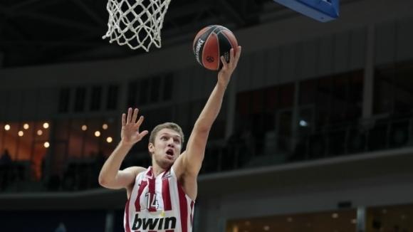 Везенков не успя да помогне на Олимпиакос за победа срещу Панатинайкос в Евролигата