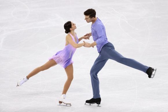 Руската спортна двойка Наталия Забияко и Александър Енберт спечели титлата на Гран При на Япония