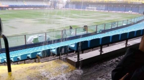 Буенос Айрес се наводни: Отложиха Бока Хуниорс - Ривър Плейт