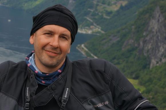 Българин атакува световен рекорд за височинно изкачване с автомобил